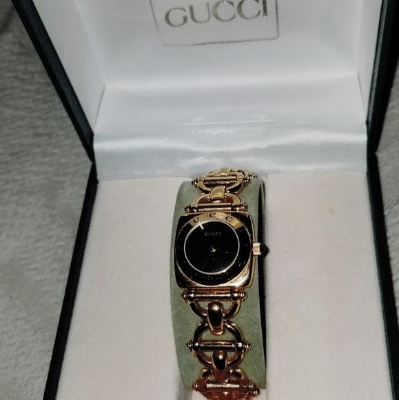 72fc6ac3c2b Gucci Jewelry - Gucci Horsebit Link Bracelet Watch